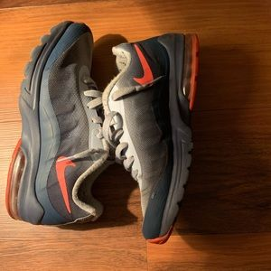 Nike Shoes - Women air max 8.5